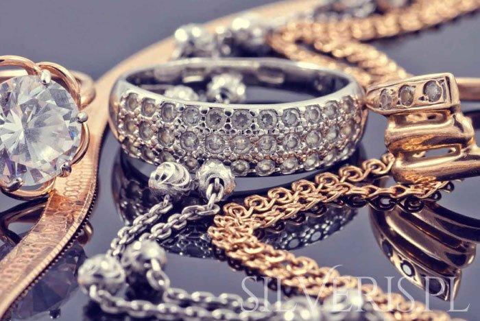 Łączenie biżuterii srebrnej i złotej