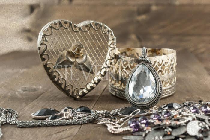 biżuteria srebrna historia