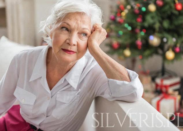 Jak wybrać broszkę srebrną dla Babci?