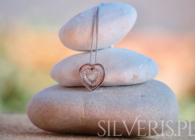 Symbolika biżuterii srebrnej