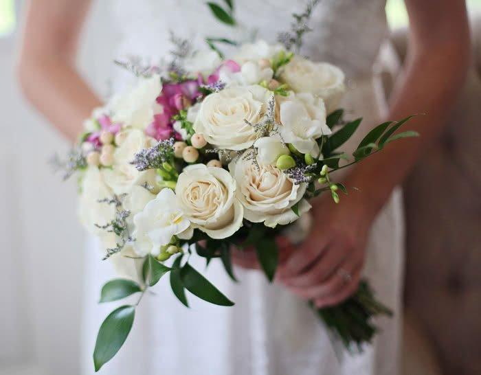 Jaka biżuteria do bukietu ślubnego ?