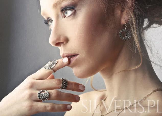 Biżuteria srebrna ażurowa. Hit czy kit?