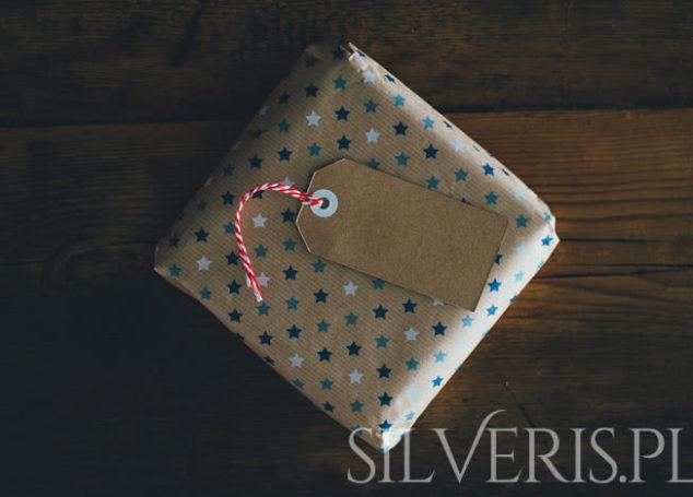 Jak zapakować biżuterię na prezent?