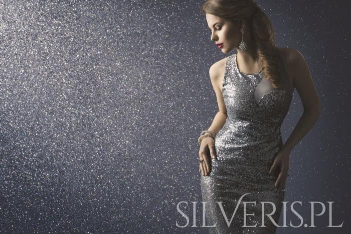 biżuteria do błyszczącej sukienki
