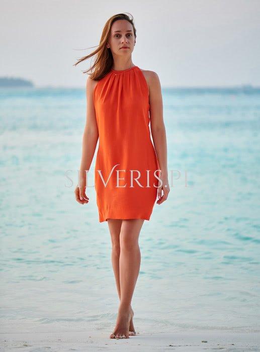 Jaka biżuteria do pomarańczowej sukienki będzie najlepsza?